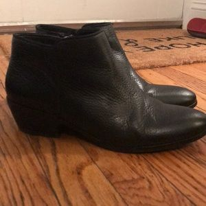 Sam Edelman Petty ankle booties size 9